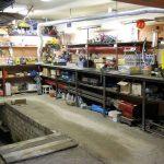 Оборудованная мастерская в гараже