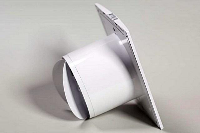 Осевой вентилятор со встроенным обратным клапаном-«бабочкой»