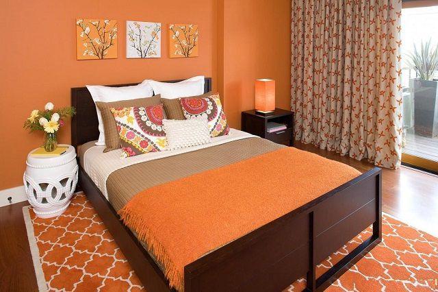 """Оранжевый цвет в чистом виде для помещения спальной будет чересчур """"активным"""""""