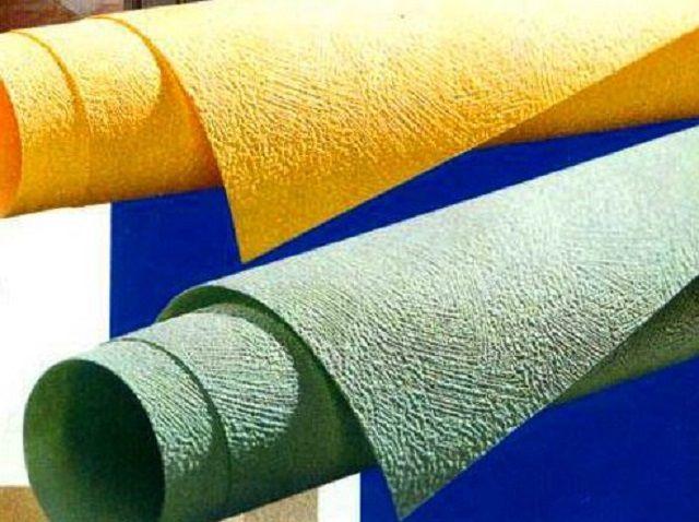 Особой износостойкостью обладают современные обои на базе стеклохолста