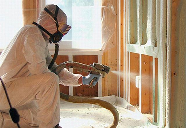 Если уж совершенно точно следовать требования технологии, то лицо работника должна защищать маска с принудительной подачей свежего воздуха для дыхания