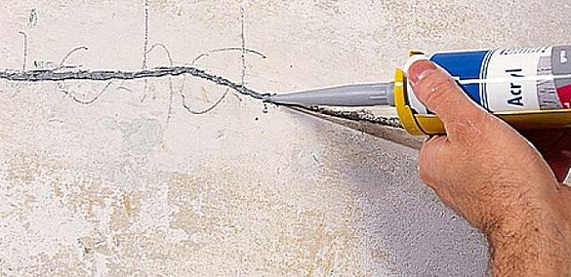 Очень удобны для ремонта стен специальные пластичные быстро застывающие составы