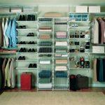 Фото 105: Пример монтажа полок в гардеробной
