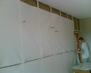 как подготовить стены к поклейке обоев