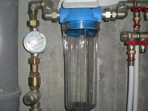 Проточный самодельный фильтр для воды