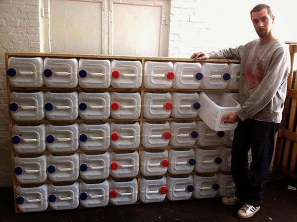 хранение запчастей в пластиковых канистрах
