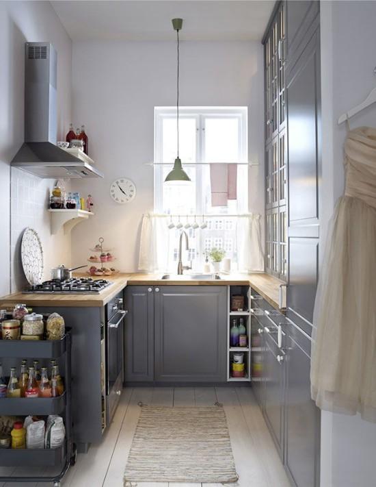 Шторы-кафе в интерьере маленькой кухни