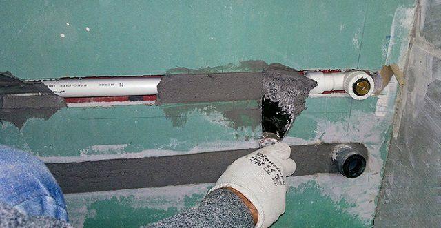 Полипропиленовые трубы можно вмуровать в стену