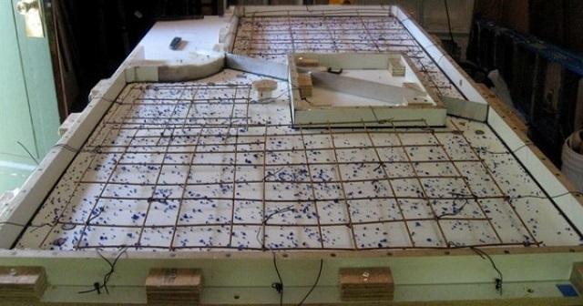 Изготовление столешницы с применением металлического армирования.
