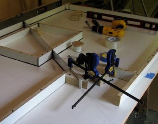 Некоторые из инструментов для выполнения работ по изготовлению столешницы.