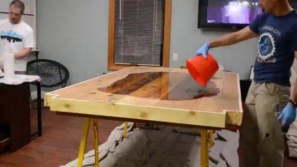 стол, столешница из эпоксидной смолы