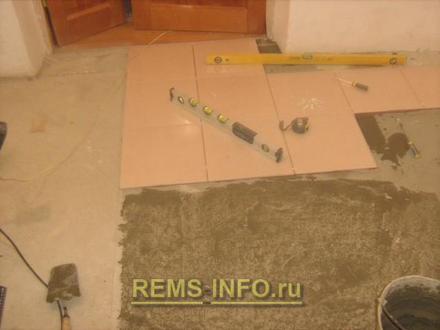 Укладка плитки на бетонный пол.