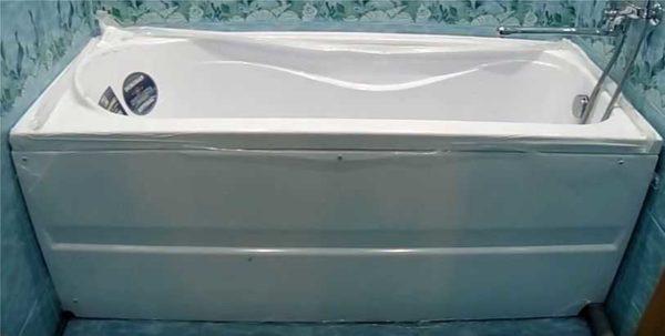 Монтаж акриловой ванны своими руками окончен