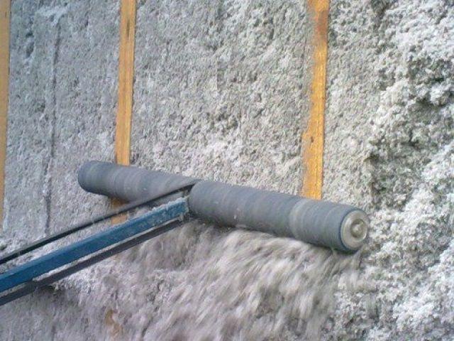 Выравнивание поверхности утепленной стены